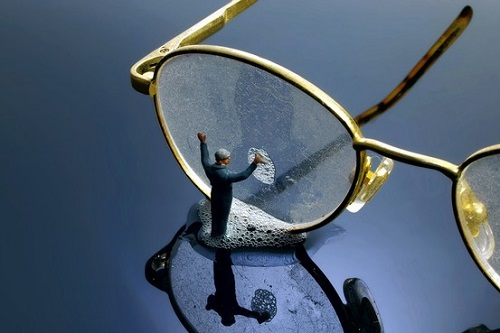 Dịch vụ sửa kính mắt